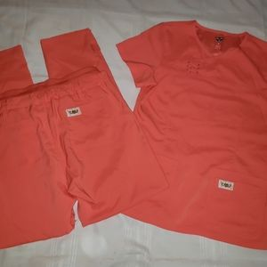 Koi Tech Scrub Set in Coral - Top Small Pants Med